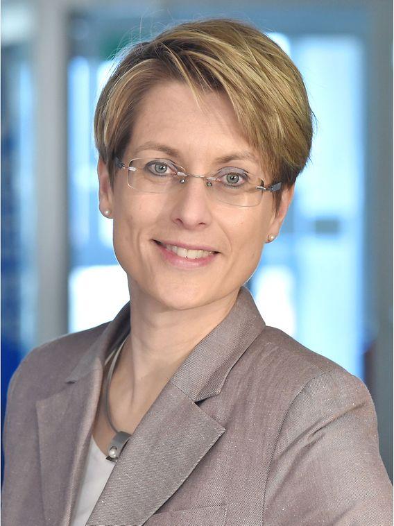 Foto von der Geschäftsführerin des HIBB, Frau Dr. Sandra Garbade